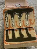 cast aluinum syncro badges