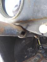 Locking steering shaft tube
