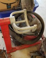 Clutch arm tool