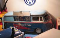 Yonezawa ice cream truck