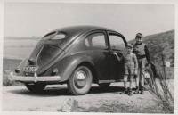 vintage vw split window Beetle photo