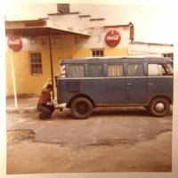23-Window Bus