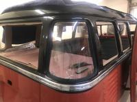 1952 Deluxe, Headliner