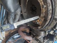 clutch cross shaft