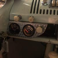 New gauge panel from Womack's Bugvans