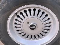 Atiwe Key hole wheel cap stickers