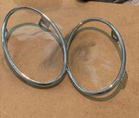Ovel taillight surrounds