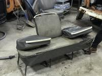Double flipper middle seat in salt and pepper upholstery