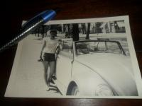Girl with cabriolet