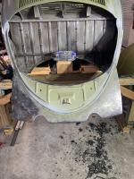 Oval rear apron