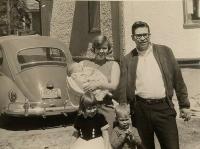 New York Bug and family