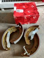 "Syncro 16"" TRW Rear Brake shoes"