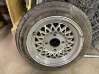Need help identifying and value of some custom rims I have