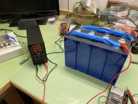House battery top balancing