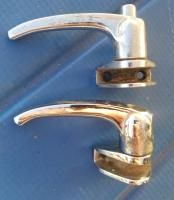 Bus wing window latches