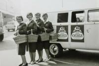 Orata Logo Kombi and 4 ladies