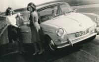 Ladies and 64 Notchback