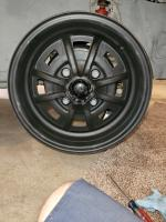 Can anyone please tell me what kind of wheels these are?  Thank you