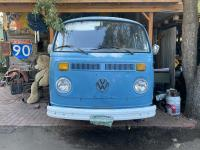 Bay window busses