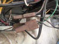 Turn signal wire splitter