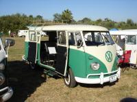Green/White Standard Bus