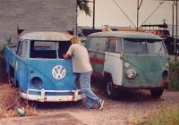 2 Strange Busses