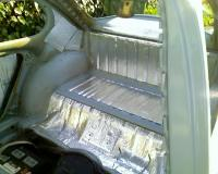 Package tray insulation