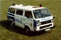 Polis Bus. ...