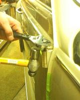 Matra Hinge pin tool in use