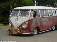 UK Split bus