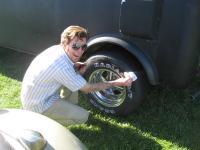 detailing tires at Yakima