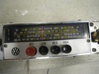 Australian VW1500 6V radio