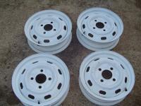 4 lugs white