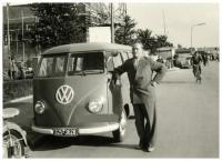 Barndoor Bus