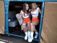 The Hooter girls and VW's, What a great mix!!!!!