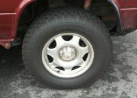mercedes centercap on CLK wheels