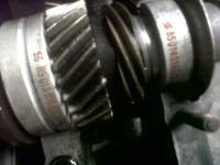 just opened the case... stock camshaft and scranckshaft