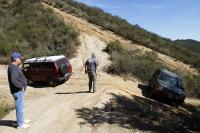 Syncro pulls stuck Land Rover Discovery