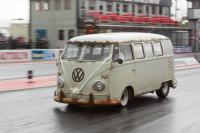 race bus