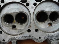 Cracks between valves